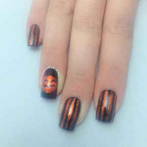 Sparkly Pumpkin Halloween Nail Art